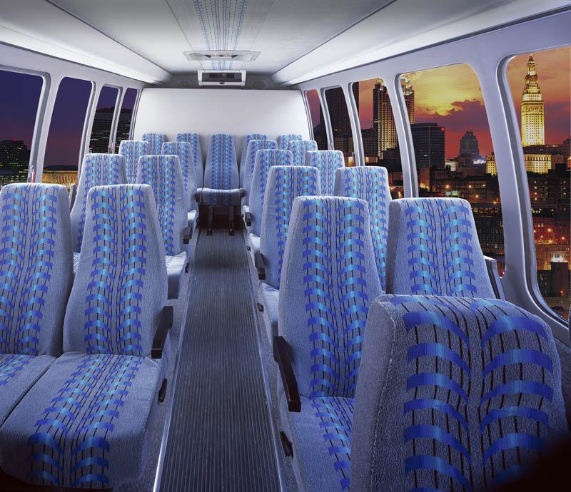 location limousine noire limousine montreal 777 514 942 5466. Black Bedroom Furniture Sets. Home Design Ideas